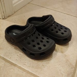 Crocs-Style Slip Ons